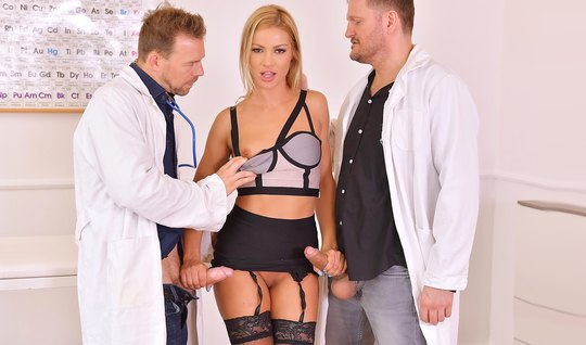 The two doctors bent blonde in stockings and fucked her in two trunk...