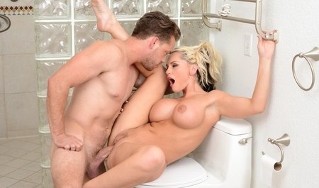 The guy in the shower fucked nurse with big Tits my best friend...