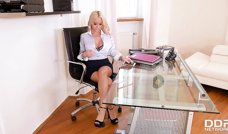 Slutty blonde gave the boss in the anal hole right in the office...