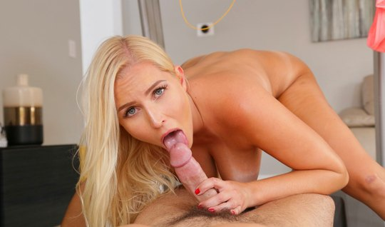 Blonde during a workout Fucks with her boyfriend...