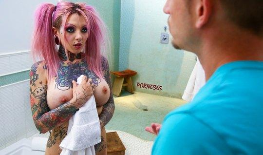Tattooed blonde with big milkings takes a deep Blowjob guy...