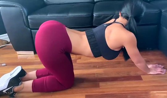 Brunette in tights gets a Blowjob and has agreed to homemade porn