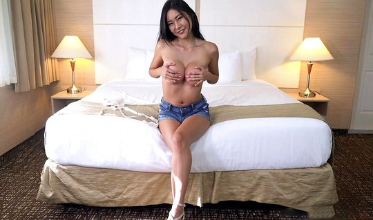 Asian chick came to the casting and starts to have sex with a new frie...