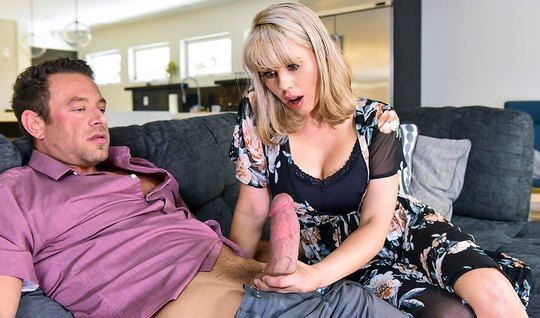 Housewife amber chase cumshot jumping on long dick young lover...