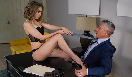 Secretary with long legs blew the boss and gave fuck yourself...