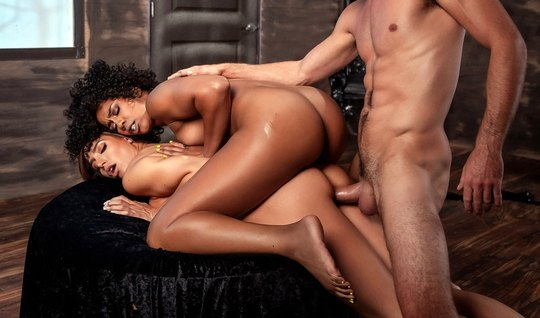 Mulatto and soft brown hair gave the boy a gorgeous Threesome...