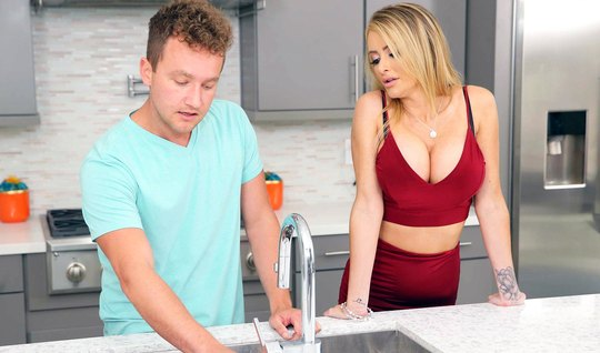 Blonde with big milkings cums from sex in the kitchen with a young lib...