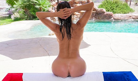 Brunette with big ass is in a pose cancer and cums from sex...