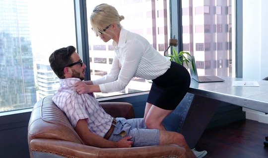 Mature babe Secretary gets off Porky with glasses in the office...