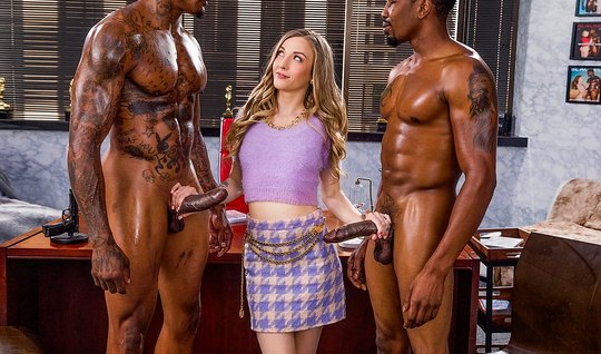 Two inflated black man gave a young lady in the office double penetrat...