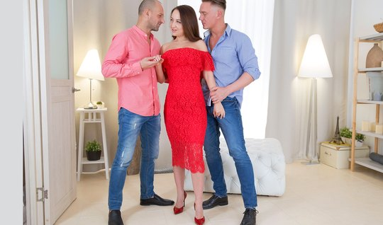 Russian slut in Threesome sex most of all loves double penetration
