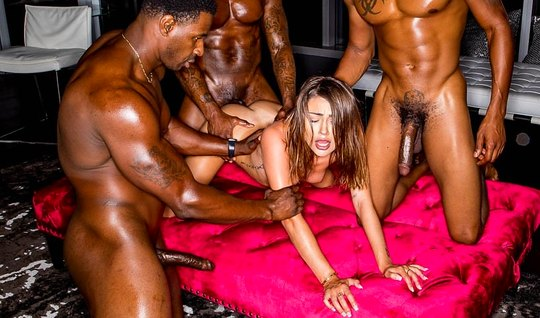 Three Negro gave the brunette a double penetration and group anal...
