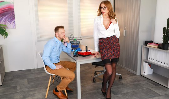 Lady in stockings right in the office fun in the company of his lover...