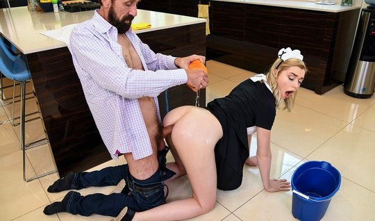 The blonde in the pose of cancer sticks slits for anal sex with each o...