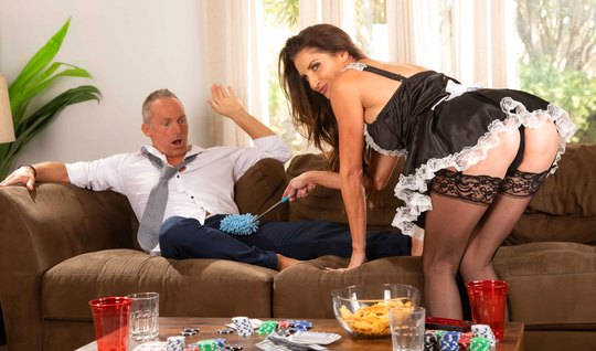 Mature maid in stockings is set to fuck a long time with a vulgar busi...